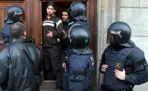 Después del incidente, estudiantes y policías se despidieron e intercambiaron teléfonos.