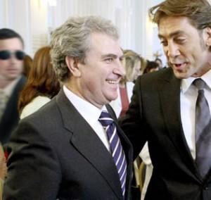 Molina y, a la izquierda, el hombre de negro.