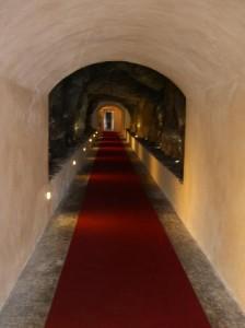 Isabel ya ha habilitado la entrada al túnel desde su casa.